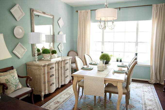 Yemek odasında sandalyelere dekoratif çözümler