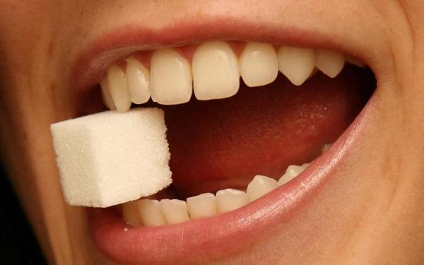 diş sağlığını bozan yiyecekler